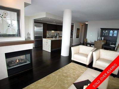 University VW Condo for sale: ARGYLL HOUSE EAST 3 bedroom 1,979 sq.ft. (Listed 2007-09-11)